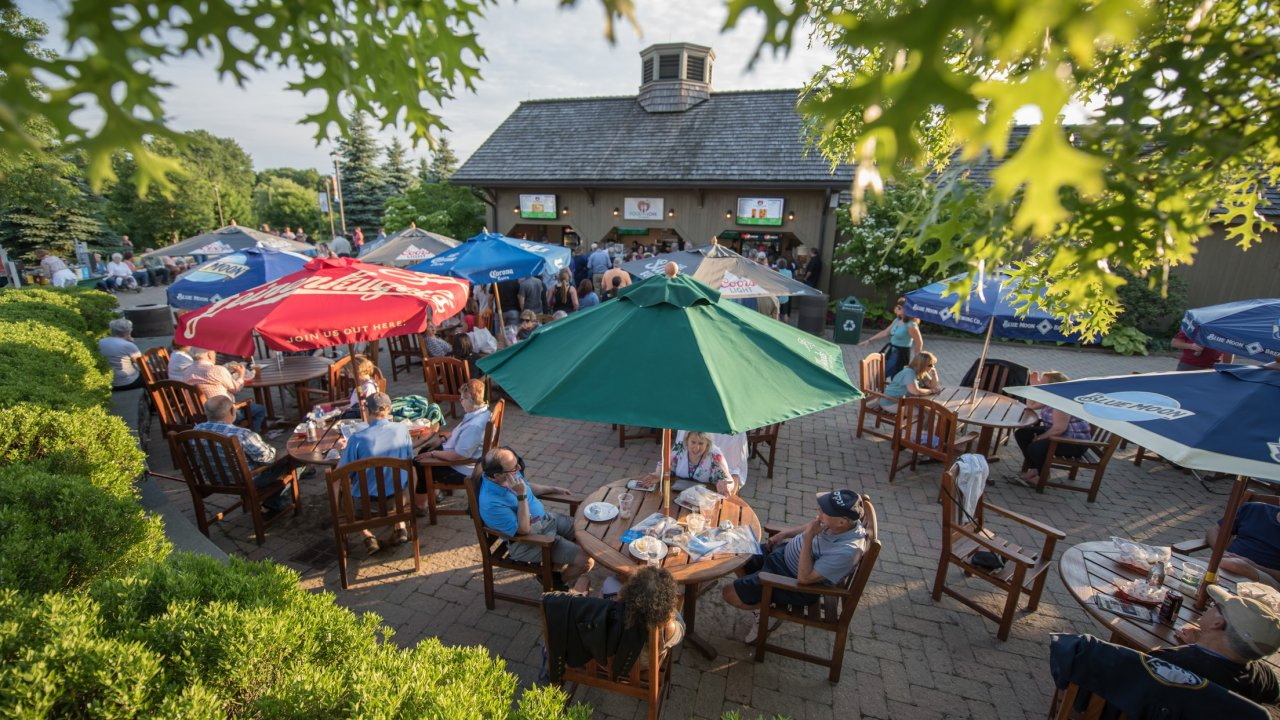 outdoor dining at Bethel Woods