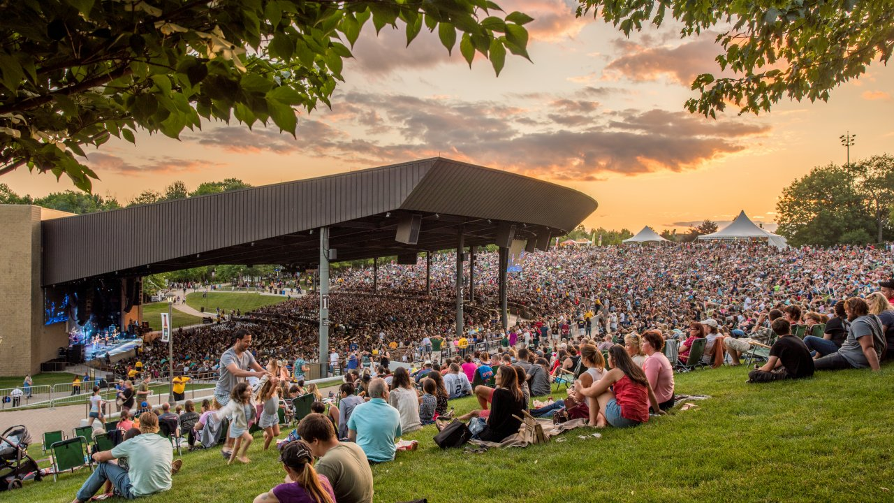 season lawn pass holders at Bethel Woods concert