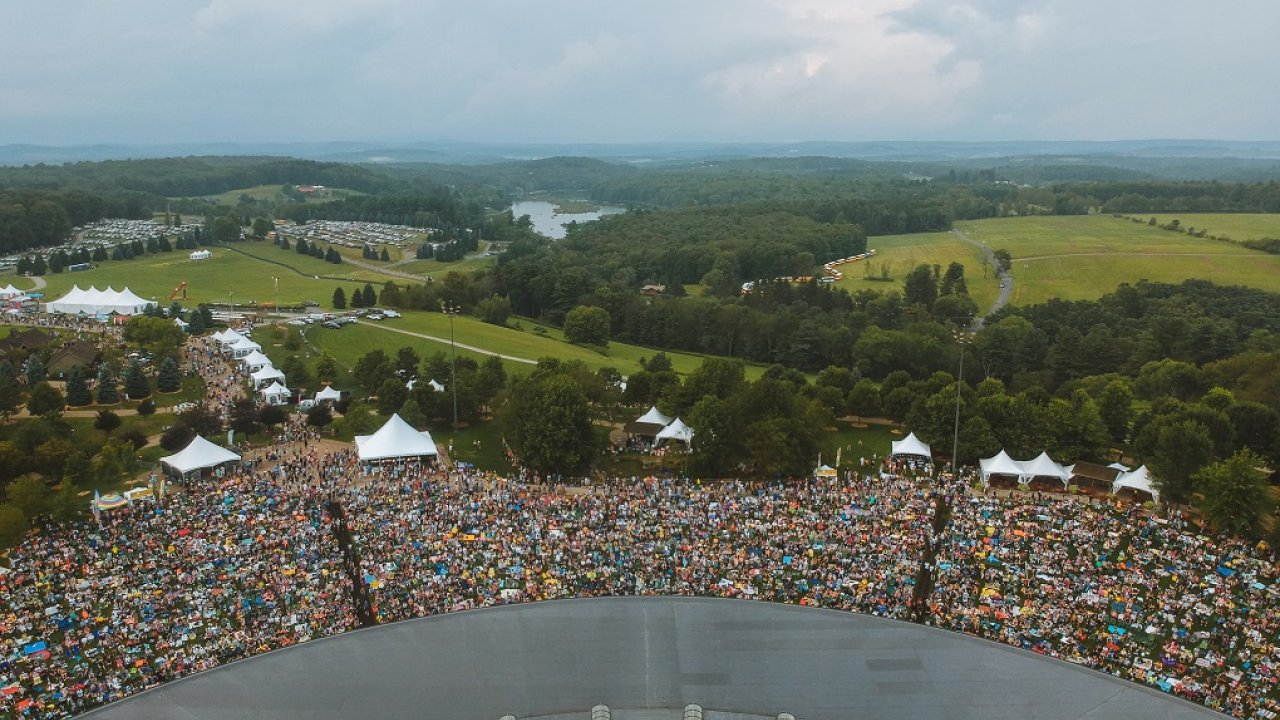 crowd at 50th Anniversary of Woodstock festival