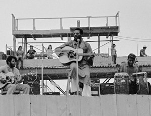 Richie Havens performing at Woodstock